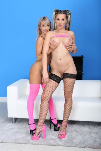 Vicky Sol Vs Jolee Love  - with toys