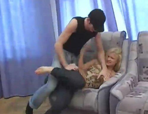 u-prostitutok-video-protiv-voli-zhestkoe-porno-kolgotkah